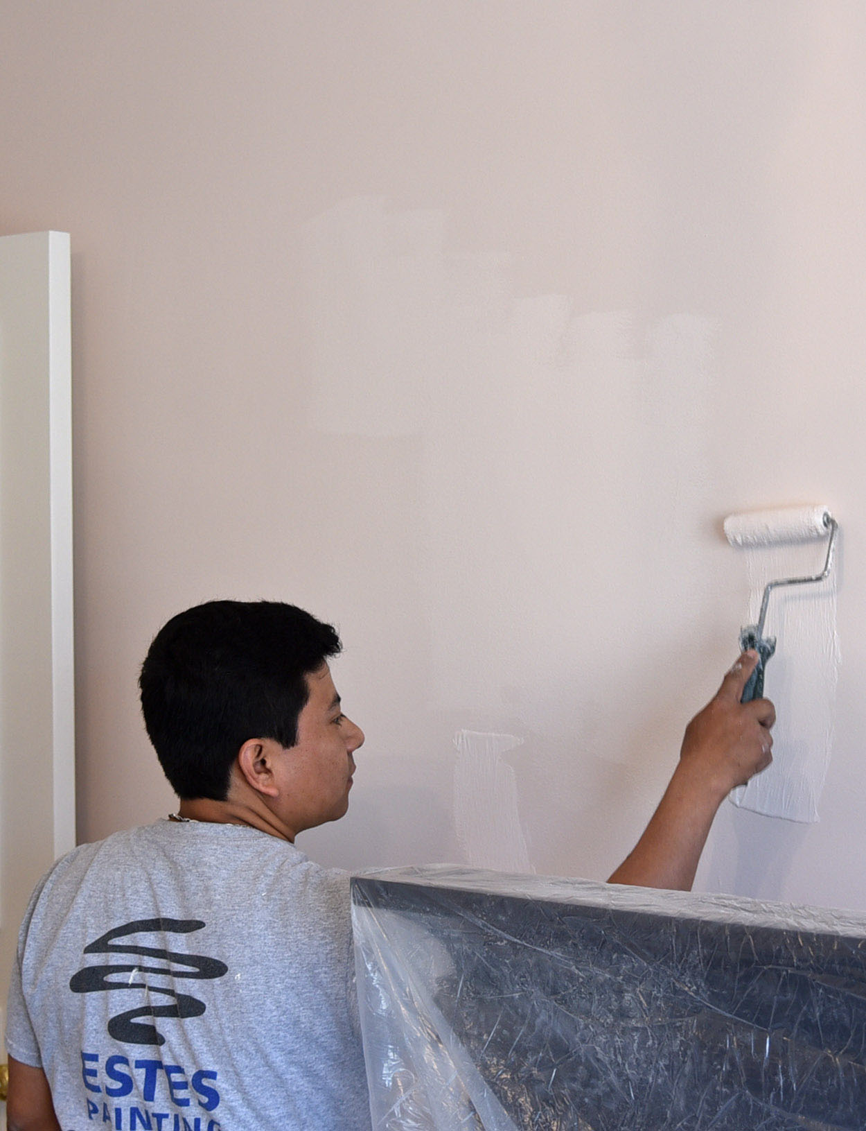 painting house walls